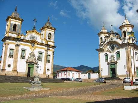 A Praça de Minas Gerais da cidade de Mariana tem diferentes edifícios que ilustram a beleza da arquitetura barroca