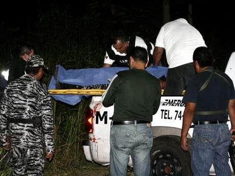 La racha violenta que padece México se reavivó en las últimas horas con la muerte de al menos 29 personas en diversos sucesos sangrientos en la ciudad de Monterrey, una de las plazas de la temida y peligrosa banda del narco Los Zetas.