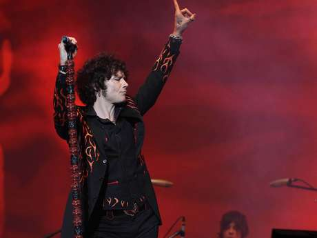 Enrique Bunbury es uno de los máximos ídolos del rock en Latinoamérica.