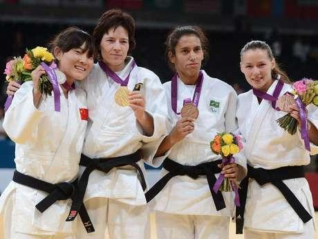 La judoca brasileña Michelle Ferreira conquistó la primera medalla de Brasil en los Juegos.