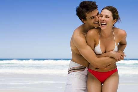 Convidá-lo para um piquenique ou passeio na praia faz com que a relação não caia na rotina