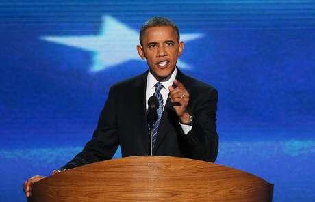"""""""Delegados, acepto su nominación para presidente de Estados Unidos"""", dijo Obama, que fue nominado oficialmente candidato este miércoles por el expresidente Bill Clinton durante la Convención Demócrata."""