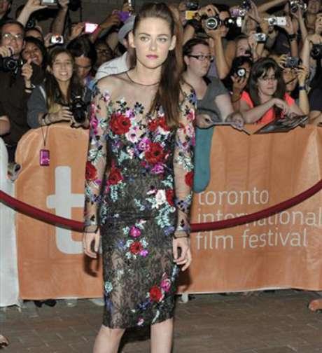Kristen Stewart da la cara en el Festival de Cine de Toronto y estuvo acompañada de James Franco