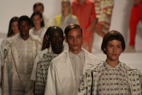 A tradicional camisa pólo ganhou reforço de peças com modelos inusitados