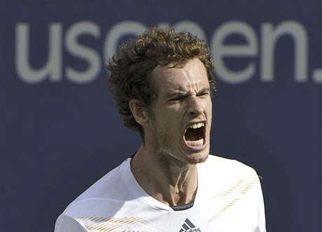 Andy Murray of Britain celebrates after defeating Tomas Berdych of the Czech Republic in their men's singles semifinals match at the U.S. Open tennis tournament in New York September 8, 2012.