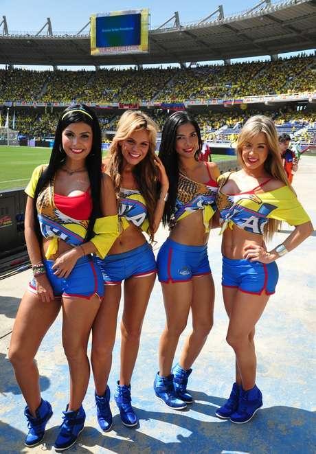 'Las chicas Águila' estuvieron una vez más acompañando a la Selección Colombia.