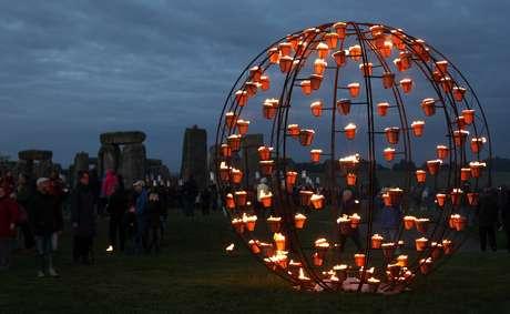 En el Festival, el monumento megalítico de Stonehenge fue escenario de un espectáculo de fuego y velas.