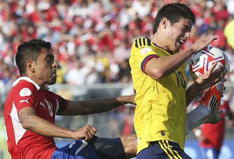 <p>Colombia enfrenta a Chile en el Metropolitano</p>