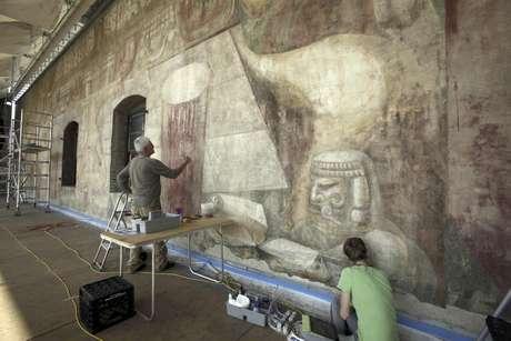 Siqueiros volver a brillar en los angeles for David alfaro siqueiros mural tropical america