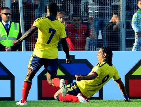 Falcao marcó el segundo gol para Colombia y asistió a Teófilo en la jugada del tercer gol, Colombia suma 13 puntos en la Eliminatoria