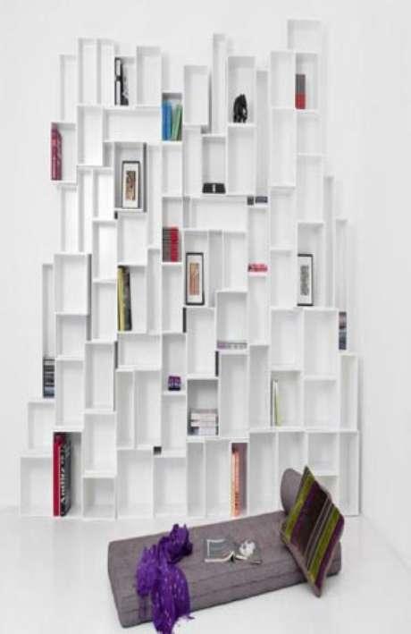Estanterías para espacios que sólo dependen del ingenio y la creatividad del interesado.