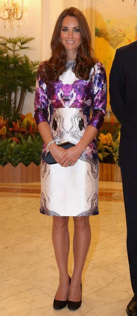 Kate Middleton en la recepción que le ofreció el Presidente de Singapur con un impresionante vestido estampado.