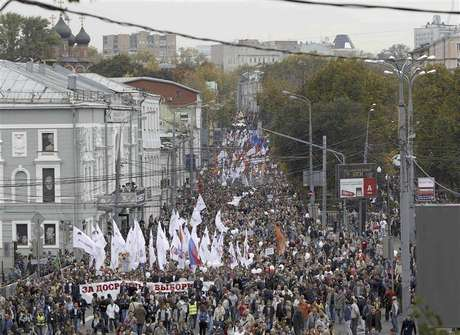 "Opposition supporters take part in the ""March of Millions"" protest rally in Moscow, September 15, 2012. Protesters demanded Russia's President Vladimir Putin to resign, authorities to release political prisoners and to reconduct parliamentary and presidential elections, according to participants."