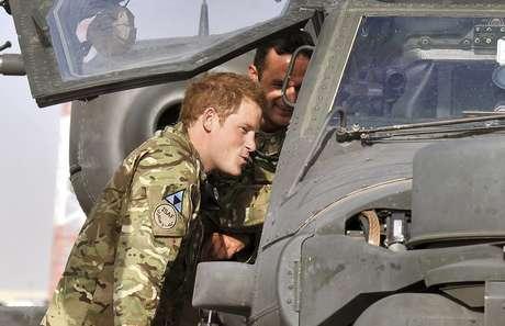 En la base se encuentra destacado el príncipe Harry de Inglaterra.