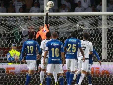Millonarios perdió ante Itagüí 1-0 con gol de penalti tras mano en el área de Pedro Franco