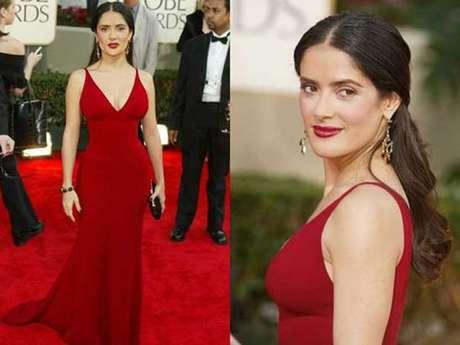 """Salma es amante de la sencillez que conlleva elegancia, es por ello que en enero de 2003 usó este diseño de Narciso Rodríguez. """"Lo más importante es el color. Hacer un vestido con tan pocas costuras y que se vea bien requiere talento. Narciso Rodríguez es maravilloso""""."""
