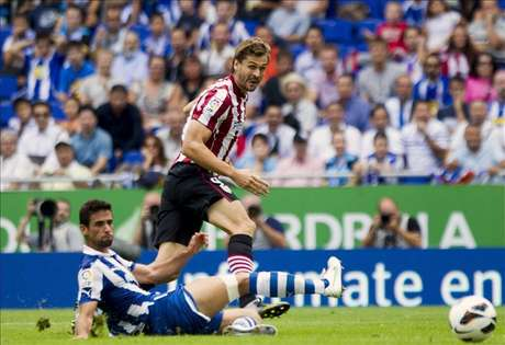 3-3. La furia de Llorente resucita al Athletic tras el descanso