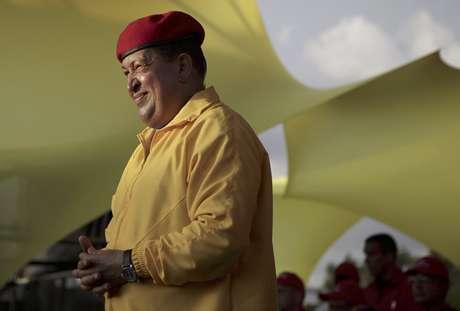 El presidente de Venezuela, Hugo Chávez, sonríe en esta fotografía de archivo del 14 de julio de 2012 durante una reunión proselitista en Barquisimeto, Venezuela.