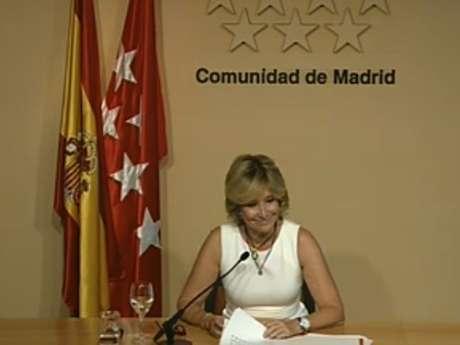 La presidenta ha comunicado su decisión al presidente del Gobierno, Mariano Rajoy, este lunes.