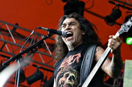 Slayer con su líder Tom Araya