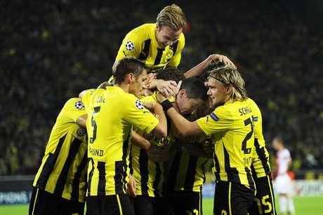 El Dortmund celebra con alegría el gol sobre el final ante el Ajax