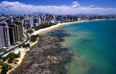 Praia de Iracema é cartão-postal de Fortaleza, no Ceará