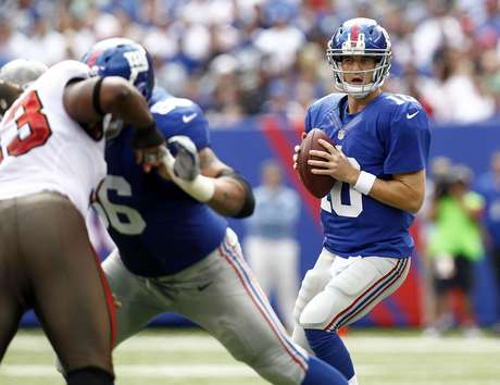 Eli Manning #10 of the New York Giants plays against the Tampa Bay Buccaneers during a game at MetLife Stadium on September 16, 2012 in East Rutherford, New Jersey.