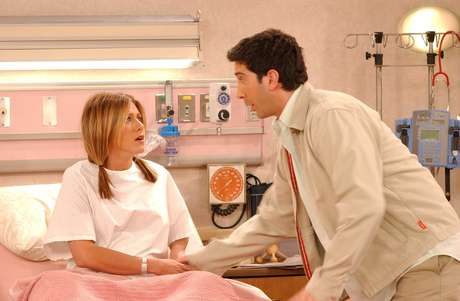 Jennifer Aniston e David Schwimmer como Rachel e Ross na série 'Friends'