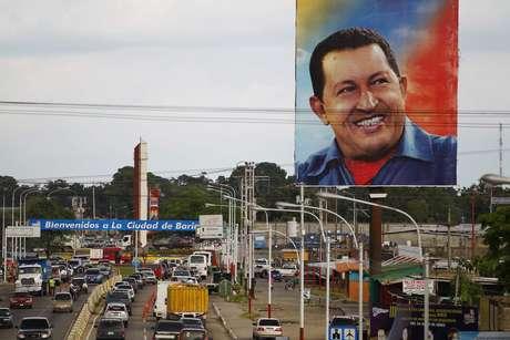 Su pasión deportiva lo llevó a enlistarse en los cuarteles. Con la ayuda de la Escuela Militar Chávez iría a Caracas y entraría a las Grandes Ligas, sin saber que esa decisión lo llevaría a ser el presidente de Venezuela por más de 10 años.