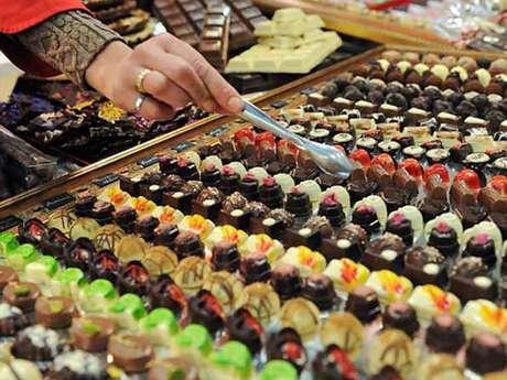 Este evento, que se celebra anualmente en Turín, Italia, reúne a miles de pequeños productores y cocineros de todo el mundo.