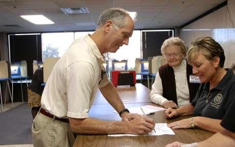 Los votantes ya pueden acudir a las urnas en Idaho y en Dakota del Norte.