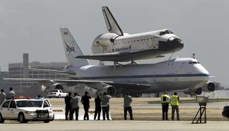 El gobierno de Estados Unidos dijo el lunes 24 de septiembre de 2014 que ha acatado la decisión de la OMC de que beneficiaba con subsidios ilegales a la empresa aeronáutica Boeing. En la imagen, un Boeing 747 de la NASA transporta en el lomo al transbordador espacial Endeavour en el Aeropuerto Internacional de Los Angeles, el viernes 21 de septiembre de 2012.