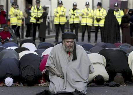 Muslim cleric, Abu Hamza al-Masri, is seen leading prayers outside the North London Central Mosque, in Finsbury Park, north London in this January 24, 2003 file photograph. The European Court of Human Rights on September 24, 2012 gave final approval for the extradition of Abu Hamza, along with four other individuals, from the UK to the U.S., local media reported.