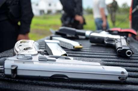 Las autoridades de seguridad de Guatemala se encuentran en alerta por las consecuencias que podría tener en este país centroamericano una supuesta ruptura del cartel de sicarios y narcotraficantes Los Zetas en México, informaron hoy fuentes oficiales.