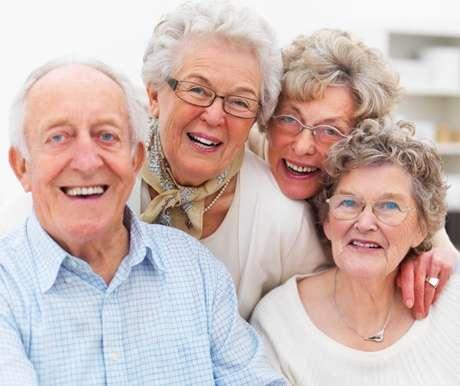 Para envelhecer com qualidade, é essencial manter a prática de exercícios físicos e uma boa alimentação