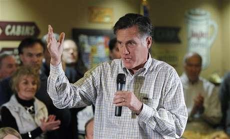 Romney, durísimo con Obama en varios aspectos en su podcast semanal.