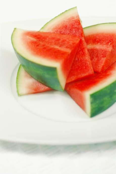 A fruta ajuda a baixar os níveis do mau colesterol, o LDL