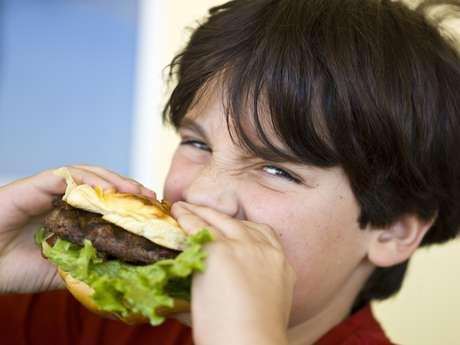 Estudo mostrou que as crianças com dietas repletas de refeições prontas alcançaram pelo menos dois pontos a menos em testes de inteligência do que as demais