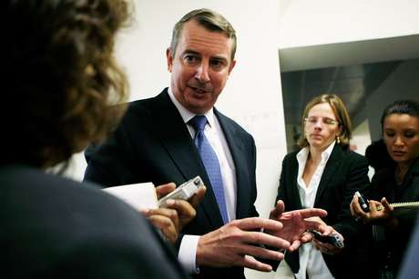 Gillespie se refería a los críticos del lado democrata que han acusado desde el debate del miércoles al candidato republicano de haber mentido en el primer cara a cara televisado con miras a la elección del 6 de noviembre.