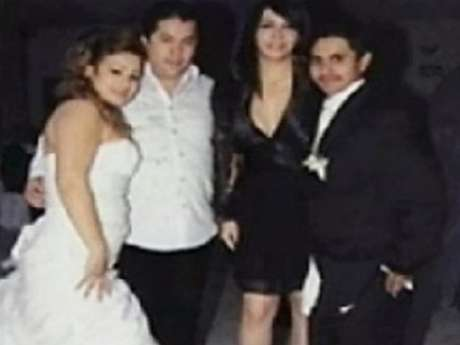 """Al parecer, """"El Lazca"""" (blanco) fue padrino de bodas del jefe de plaza de Los Zetas (negro) en San Fernando, Tamaulipas"""