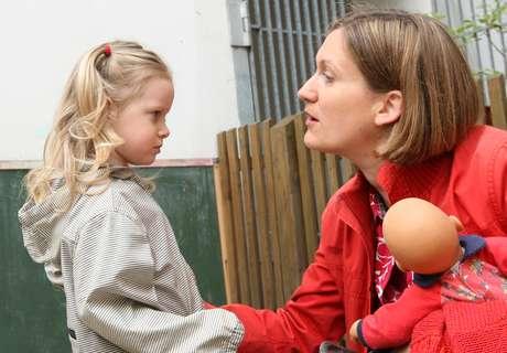 Enseñarle normas y límites educa a los niños para saber lo que está permitido hacer y lo que no.