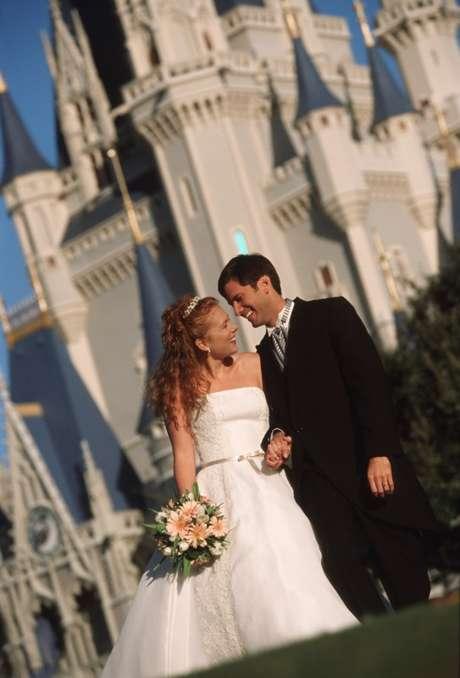 Até hoje, mais de 20 mil casais já trocaram as alianças no mundo mágico de Walt Disney