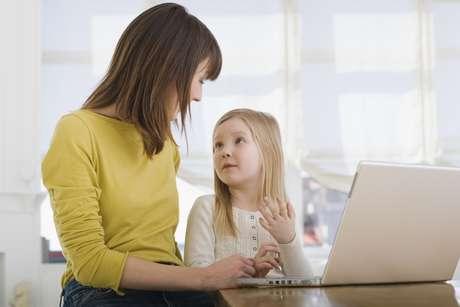 Crianças que passam horas em frente ao computador podem ver o mundo em 2D