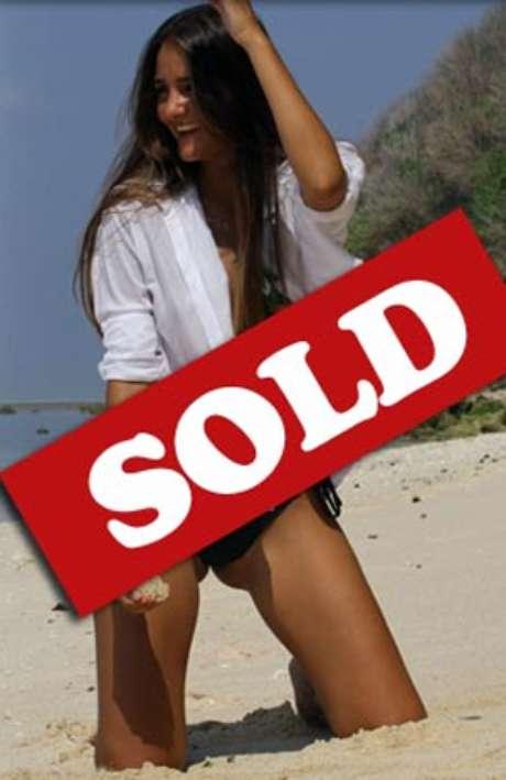 La página de internet virginswanted.com.au publica fotos de 'Catarina' con la mención 'vendida'.