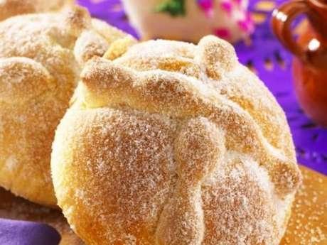 Comer 'muertos' es para el mexicano un verdadero placer, se considera la antropofagia de pan y azúcar.