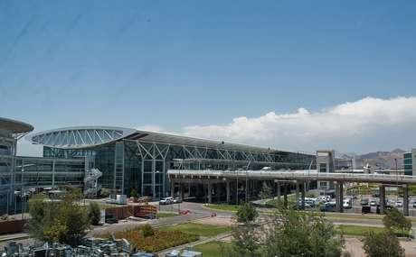 O Aeroporto Internacional de Santiago é o sexto mais movimentado da América do Sul