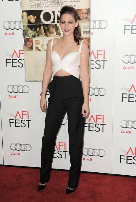 Kristen Stewart asume que no se librará de la fama