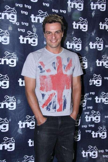 Rodrigo Lombardi disse que os homens deveriam gostar mais do que vestem