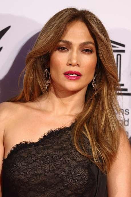 Jennifer Lopez niega que despidieran a empleada por su culpa
