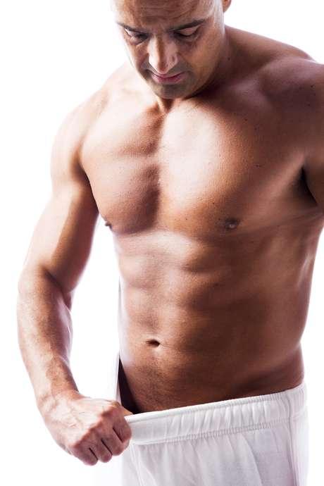 """Curiosidade, vontade de aprimorar a performance sexual e o receio de falhar na """"hora H"""" fazem homens saudáveis recorrerem a estimulantes sexuais"""